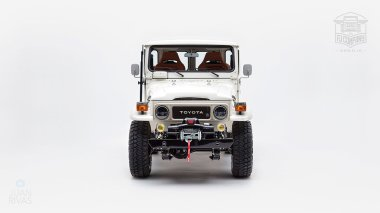 1980-FJ40-315930-White-KDH-487---Alex-Campbell-Studio-009