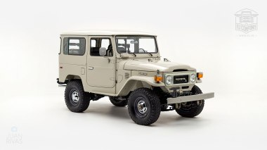 1980-FJ40-317149-Beige---Chris-Corwin-Studio_001