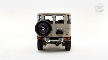 1980-FJ40-317149-Beige---Chris-Corwin-Studio_004