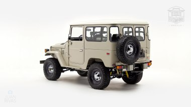 1980-FJ40-317149-Beige---Chris-Corwin-Studio_006