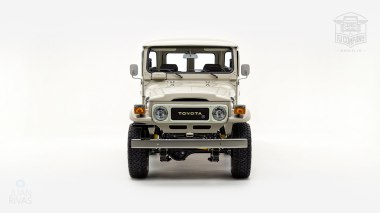 1980-FJ40-317149-Beige---Chris-Corwin-Studio_009
