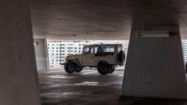 1981-FJ43-103467-Dune-Beige-Matte--LLF-179-SEMA-2017-Outdoors-Miami-006