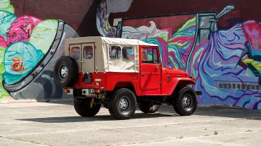 1981-Toyota-Land-Cruiser-FJ40-Freeborn-Red-FJ40-338609-Outdoors_004