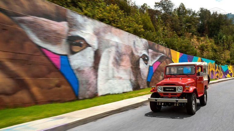 1981-Toyota-Land-Cruiser-FJ40-Freeborn-Red-FJ40-338609-Outdoors_012