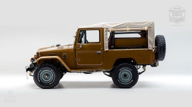 1981-Toyota-Land-Cruiser-FJ43-105510-Olive-Studio-005