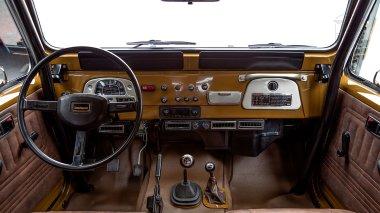 1981-Toyota-Land-Cruiser-FJ43-105510-Olive-Studio-026