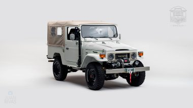 1982-FJ43-108916-White-Studio-001