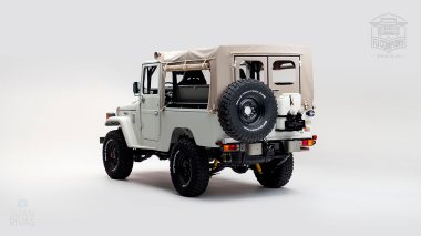 1982-FJ43-108916-White-Studio-004