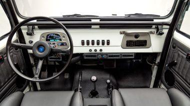 1982-FJ43-108916-White-Studio-034