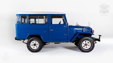 1983-Toyota-Land-Cruiser-BJ46-Medium-Blue-BJ46-000660-Studio_002