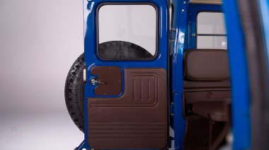 1983-Toyota-Land-Cruiser-BJ46-Medium-Blue-BJ46-000660-Studio_032
