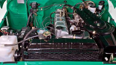 1983-Toyota-Land-Cruiser-FJ40-John-Deere-Green-FJ40-361667-Studio-008