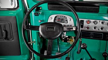 1983-Toyota-Land-Cruiser-FJ40-John-Deere-Green-FJ40-361667-Studio-024