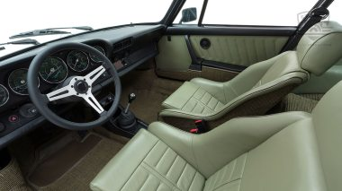 Straat-1983-Porsche-Dolphin-Gray-WPOAA0916DS121381-Studio-033-copia