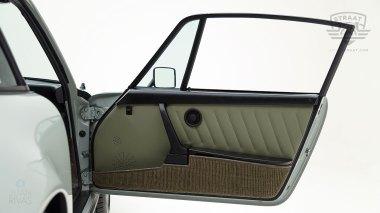 Straat-1983-Porsche-Dolphin-Gray-WPOAA0916DS121381-Studio-045-copia