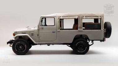 The-FJ-Company-1981-FJ45-Land-Cruiser---Beige-299237---Studio_05
