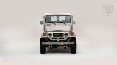 The-FJ-Company-1981-FJ45-Land-Cruiser---Beige-299237---Studio_06