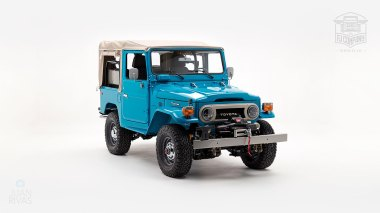 The-FJ-Company-1982-FJ40-Land-Cruiser---Sky-Blue-356501---Studio_001