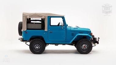 The-FJ-Company-1982-FJ40-Land-Cruiser---Sky-Blue-356501---Studio_002