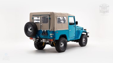 The-FJ-Company-1982-FJ40-Land-Cruiser---Sky-Blue-356501---Studio_003