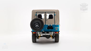 The-FJ-Company-1982-FJ40-Land-Cruiser---Sky-Blue-356501---Studio_004