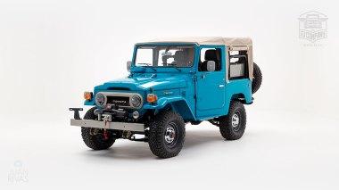 The-FJ-Company-1982-FJ40-Land-Cruiser---Sky-Blue-356501---Studio_007