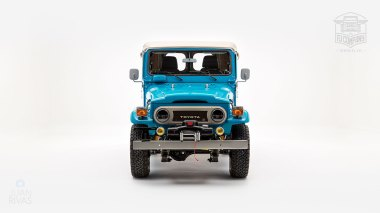 The-FJ-Company-1982-FJ40-Land-Cruiser---Sky-Blue-356501---Studio_008