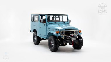 The-FJ-Company-1982-FJ43-Land-Cruiser---Capri-Blue-67158---Studio_001