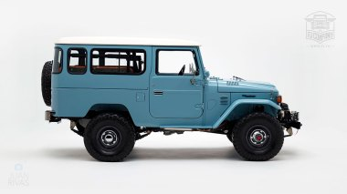 The-FJ-Company-1982-FJ43-Land-Cruiser---Capri-Blue-67158---Studio_002
