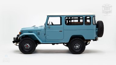 The-FJ-Company-1982-FJ43-Land-Cruiser---Capri-Blue-67158---Studio_006