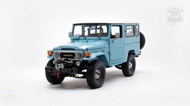 The-FJ-Company-1982-FJ43-Land-Cruiser---Capri-Blue-67158---Studio_007