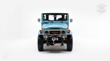 The-FJ-Company-1982-FJ43-Land-Cruiser---Capri-Blue-67158---Studio_008