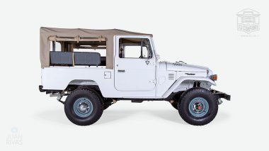 The-FJ-Company-1982-FJ43-Land-Cruiser---White-110048---Studio_002