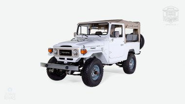 The-FJ-Company-1982-FJ43-Land-Cruiser---White-110048---Studio_009