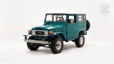 The-FJ-Company-1983-FJ43-Land-Cruiser---Rustic-Green-361844---Studio_007