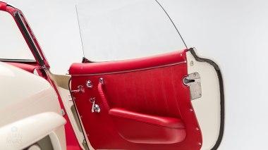 1961-Mercedez-Benz-300-SL-Roadster-White-025