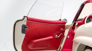 1961-Mercedez-Benz-300-SL-Roadster-White-026