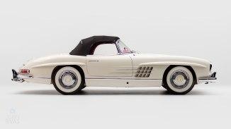 1961-Mercedez-Benz-300-SL-Roadster-White_002