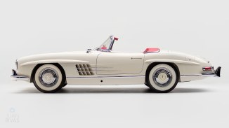 1961-Mercedez-Benz-300-SL-Roadster-White_005
