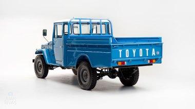 1974-Toyota-Land-Cruiser-FJ45-SkyBlue-FJ45-83469-Studio_005