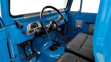 1974-Toyota-Land-Cruiser-FJ45-SkyBlue-FJ45-83469-Studio_015