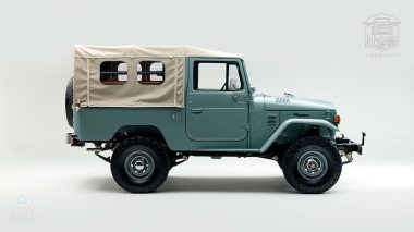 1983-Toyota-Land-Cruiser-FJ43-Freeborn-Red-FJ43-110860-Studio_002