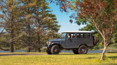 1984-FJ43-113295-Venetian-Blue-Outdoors-Connecticut-013
