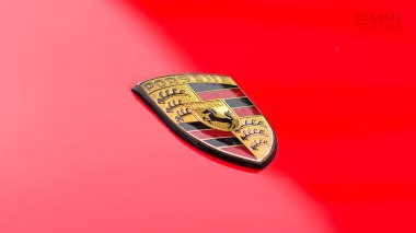 1984-Porsche-911-Carrera-Guards-Red-WP0AB0917ES120464-Studio_007
