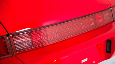 1989-Porsche-964-Carrera-4-Guards-Red-WP0AB092KS45031-Studio_023