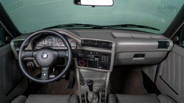 1991-BMW-M3-Black-60530049234S2-Studio_020