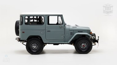 The-FJ-Company-1983-FJ40-Land-Cruiser---Heath-Gray-361638---Studio_002-copy