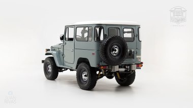 The-FJ-Company-1983-FJ40-Land-Cruiser---Heath-Gray-361638---Studio_005-copy