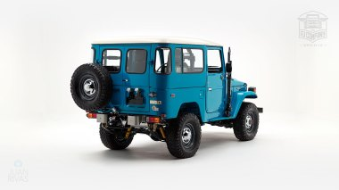 The-FJ-Company-1983-FJ40-Land-Cruiser-Sky-Blue-361714-Studio_003