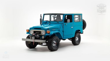 The-FJ-Company-1983-FJ40-Land-Cruiser-Sky-Blue-361714-Studio_007